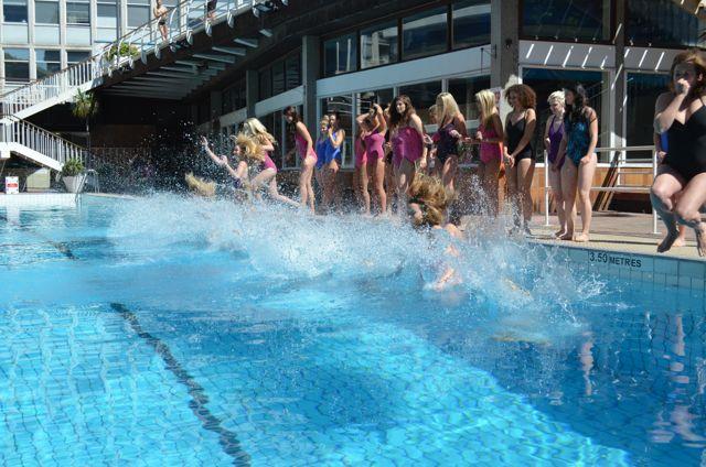 speedo sculpture parade to the pool3